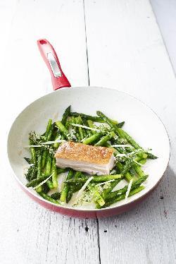 Pirított császárhús zöld spárgával
